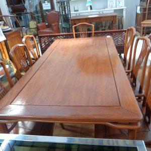 Tavolo in legno +sette sedie Usato a Milano | InAndOut